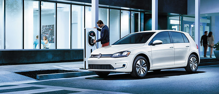 Volkswagen E Golf Awarded Best Compact In 2016 Aaa Green